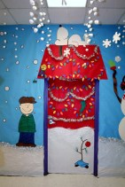 Adorable Winter Classroom Door Decoration Ideas 30