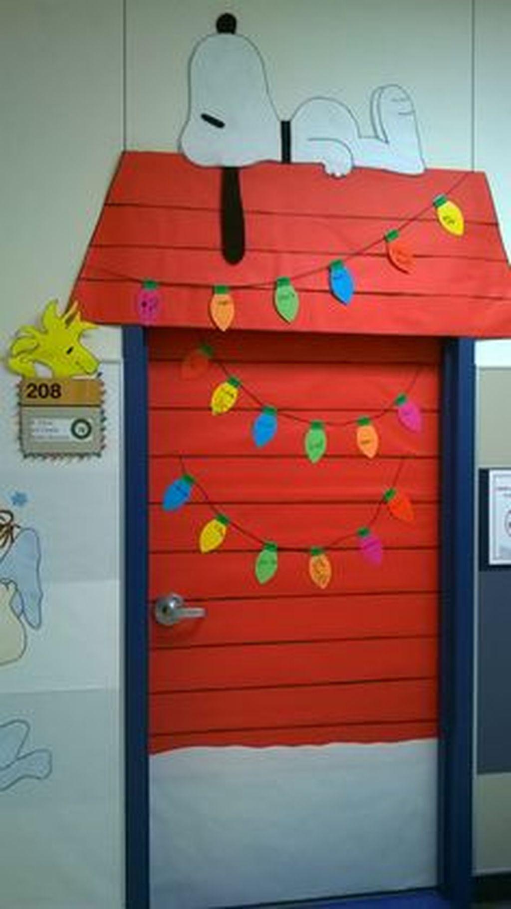 Adorable Winter Classroom Door Decoration Ideas 34