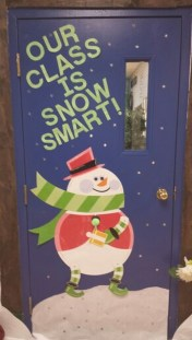 Adorable Winter Classroom Door Decoration Ideas 36