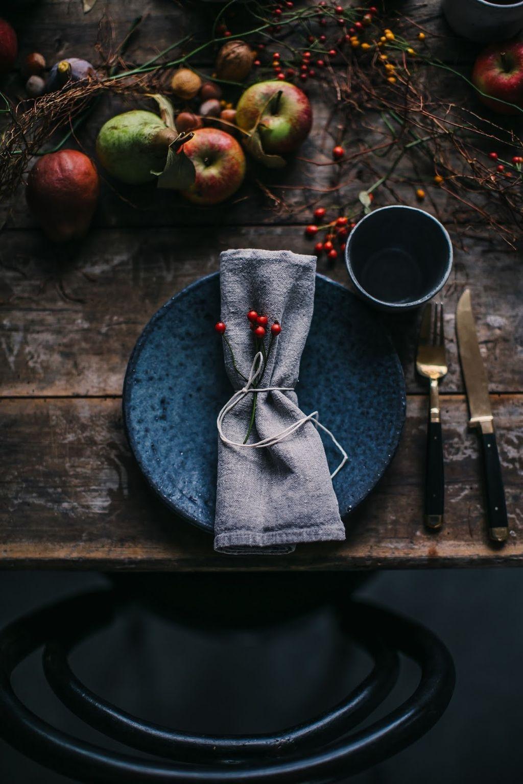 Amazing Winter Table Decoration Ideas 27