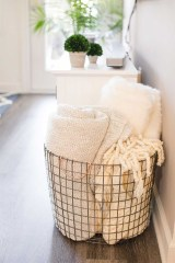 Awesome Winter Themed Bathroom Decoration Ideas 02