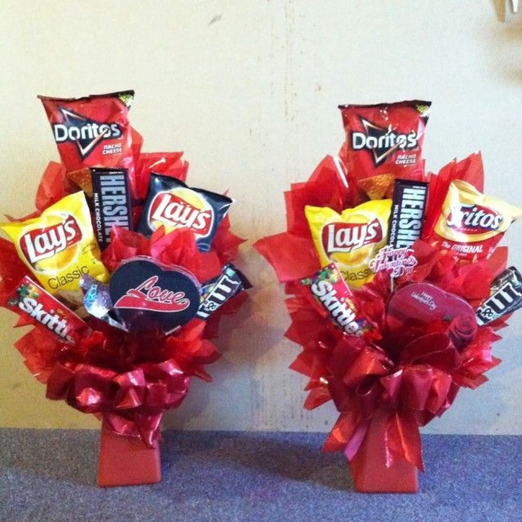 Beautiful And Creative DIY Valentine Decoration Ideas For Your Home 02