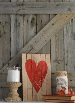 Beautiful And Creative DIY Valentine Decoration Ideas For Your Home 04