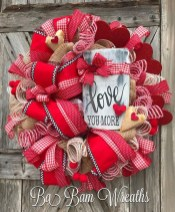 Beautiful And Creative DIY Valentine Decoration Ideas For Your Home 28