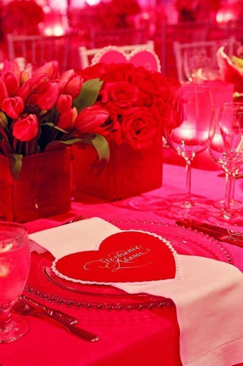 Cool And Cozy Red Valentines Day Decoration Ideas 06