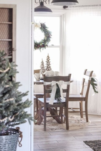 Cozy Winter Wonderland Decoration Ideas 34