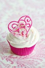 Cute Pink Valentines Day Decoration Ideas For Your Home 27