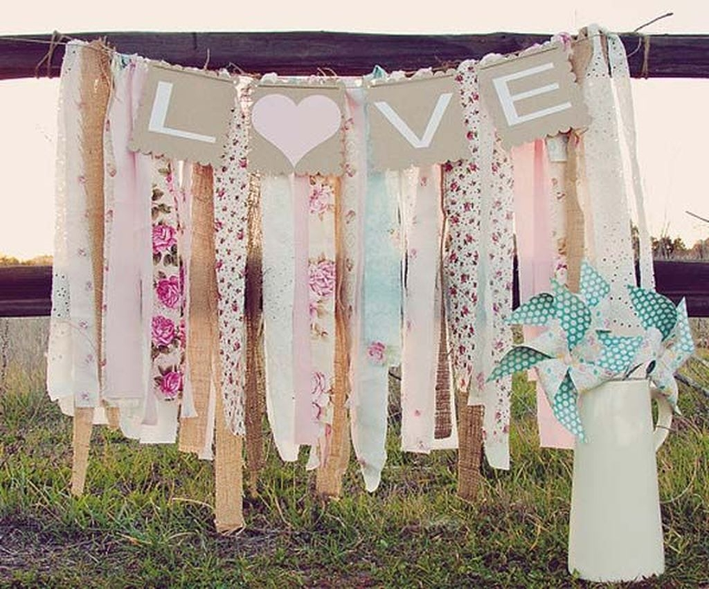 Cute Shabby Chic Valentines Decoration Ideas For Your Home 42