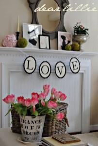 Inspiring Valentines Day Fireplace Decoration Ideas 05