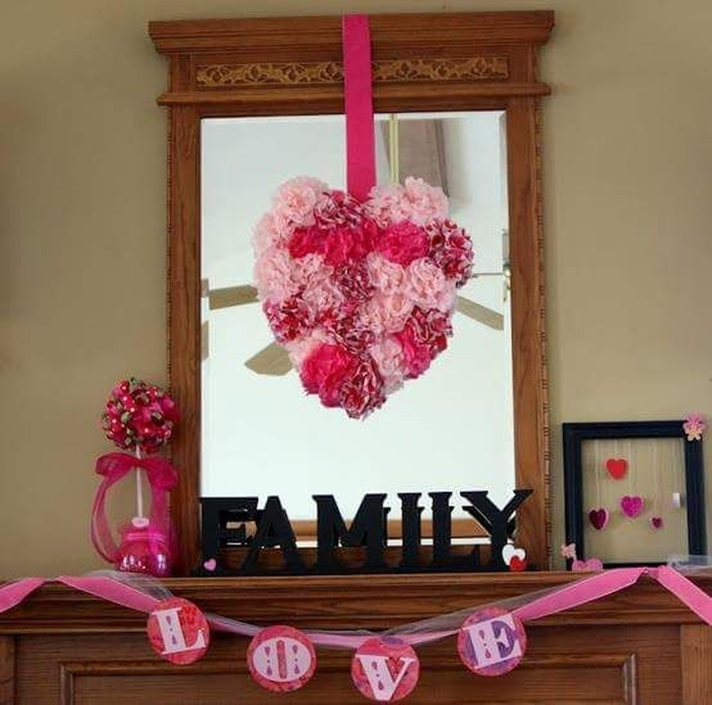 Inspiring Valentines Day Fireplace Decoration Ideas 08