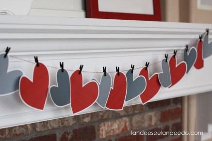 Inspiring Valentines Day Fireplace Decoration Ideas 11