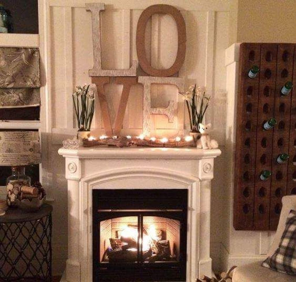 Inspiring Valentines Day Fireplace Decoration Ideas 17