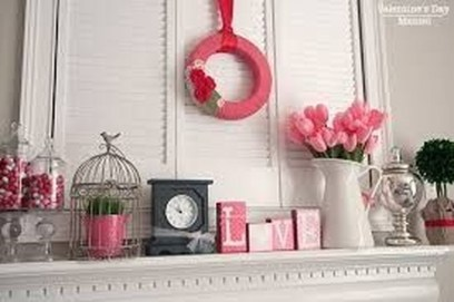 Inspiring Valentines Day Fireplace Decoration Ideas 29