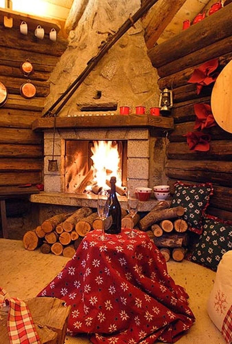 Inspiring Valentines Day Fireplace Decoration Ideas 33