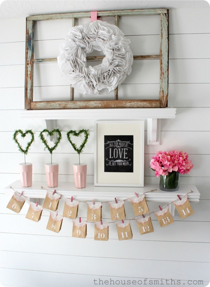 Inspiring Valentines Day Fireplace Decoration Ideas 45