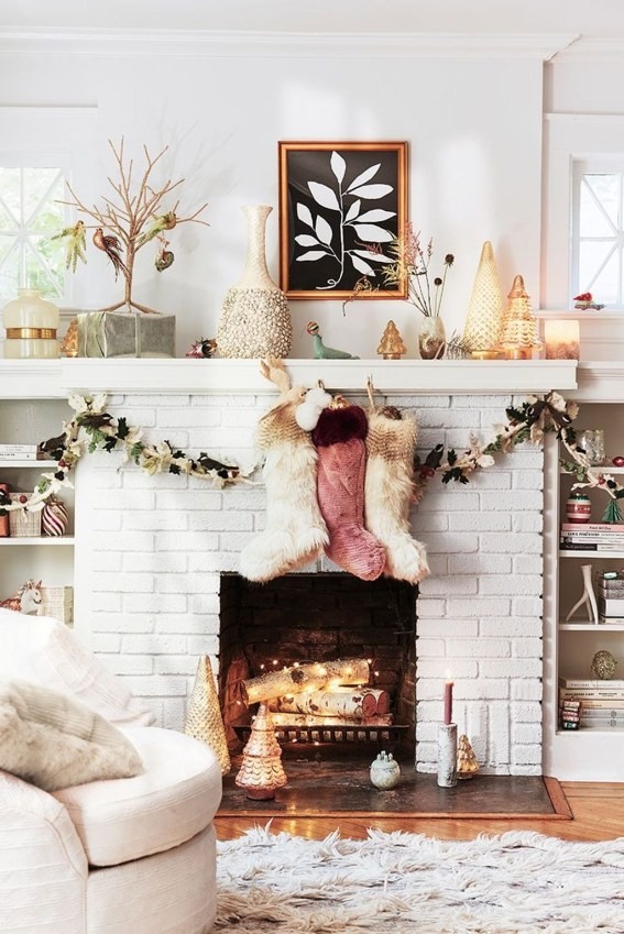 Inspiring Valentines Day Fireplace Decoration Ideas 46