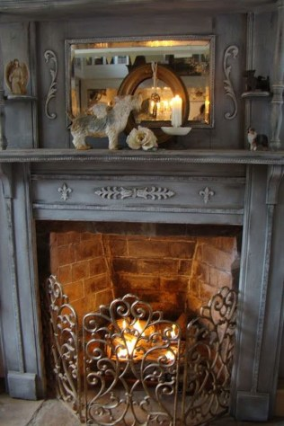 Inspiring Valentines Day Fireplace Decoration Ideas 47