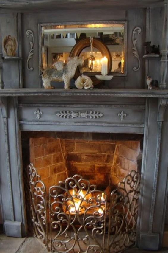 Inspiring Valentines Day Fireplace Decoration Ideas 47