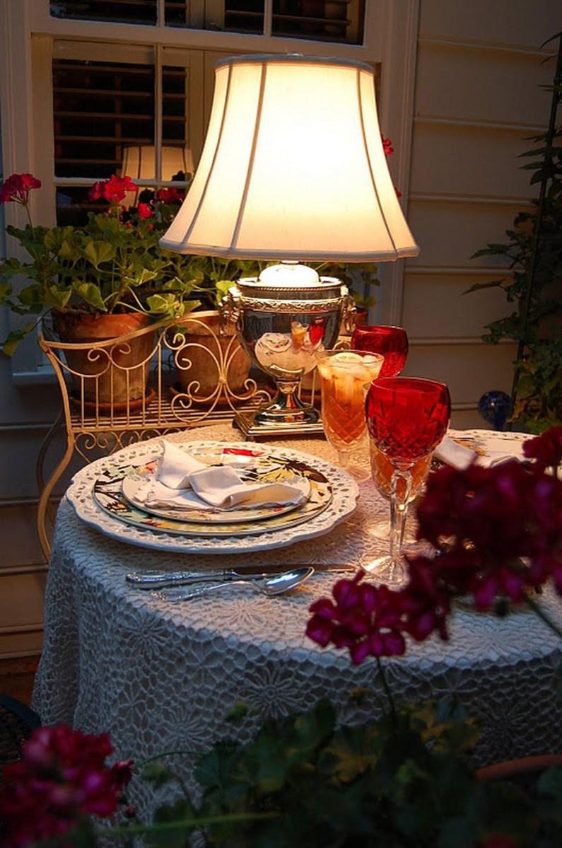 Romantic Valentines Day Dining Room Decoration Ideas 12
