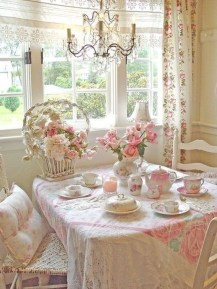 Romantic Valentines Day Dining Room Decoration Ideas 28