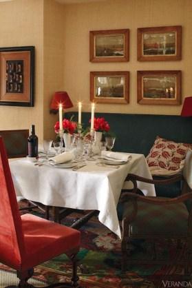 Romantic Valentines Day Dining Room Decoration Ideas 36