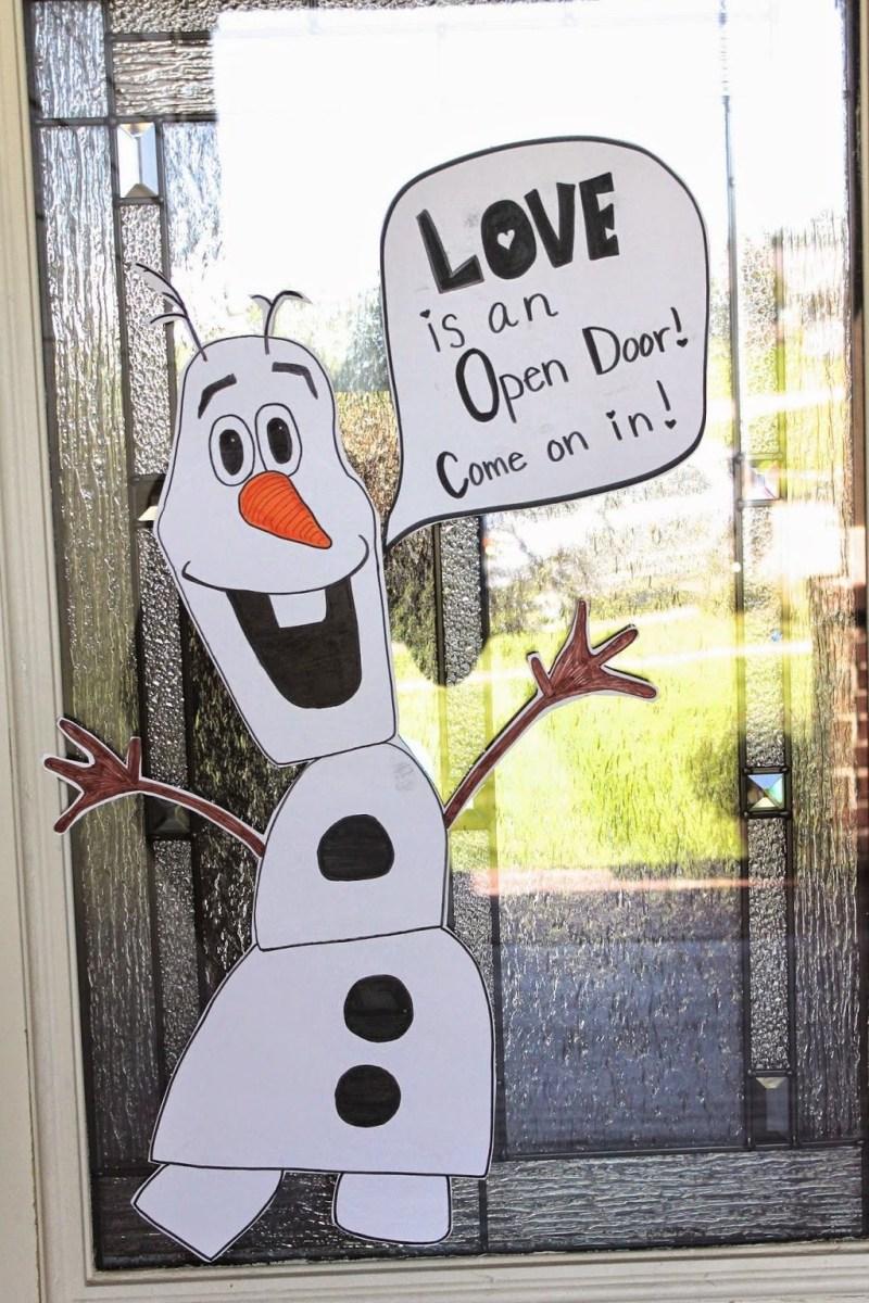 Stunning Front Door Decoration Ideas For Winter 01