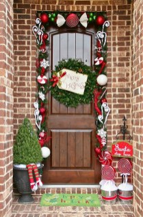 Stunning Front Door Decoration Ideas For Winter 05