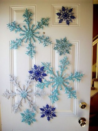 Stunning Front Door Decoration Ideas For Winter 08