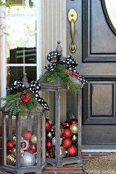 Stunning Front Door Decoration Ideas For Winter 17
