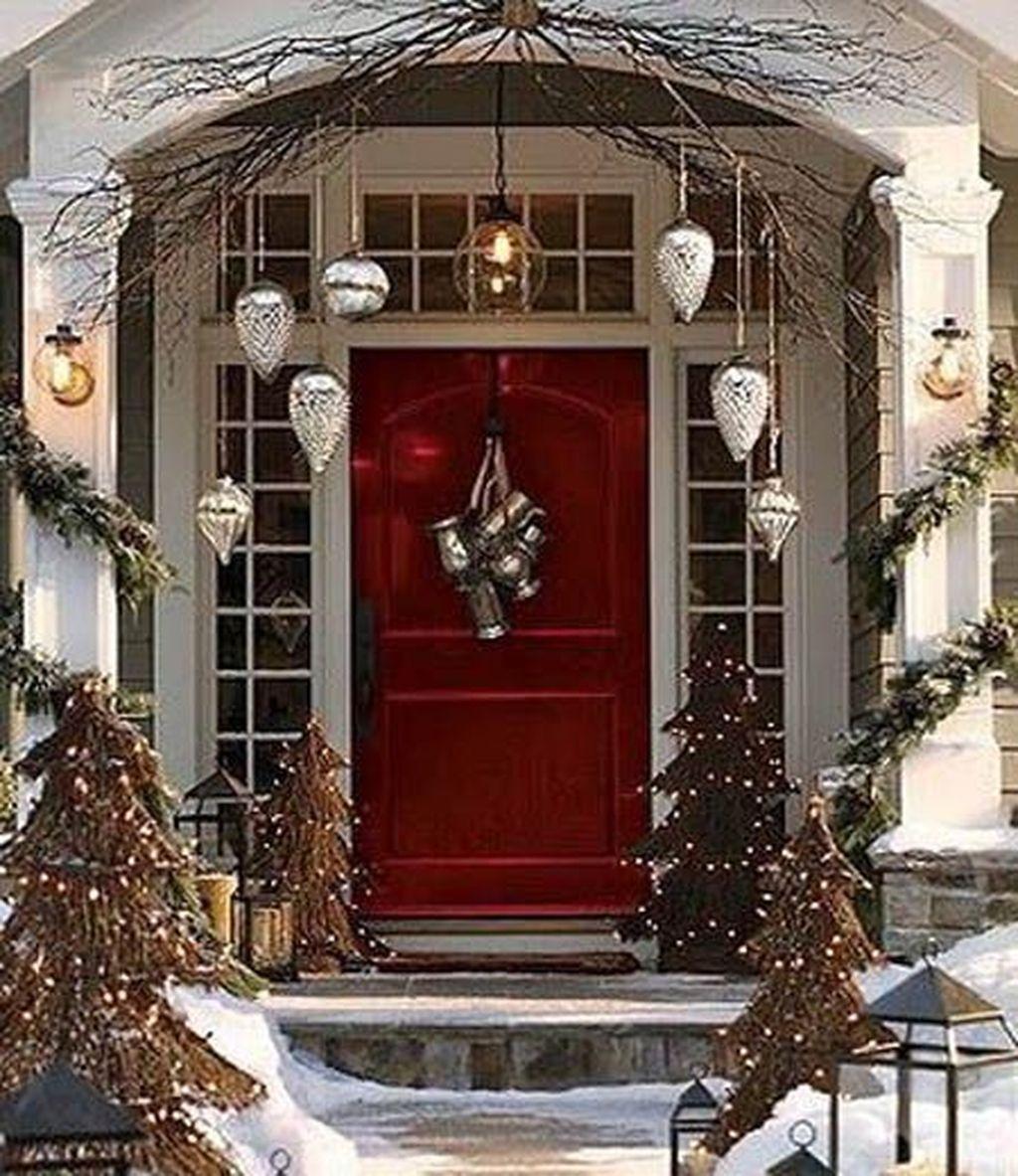 Stunning Front Door Decoration Ideas For Winter 21
