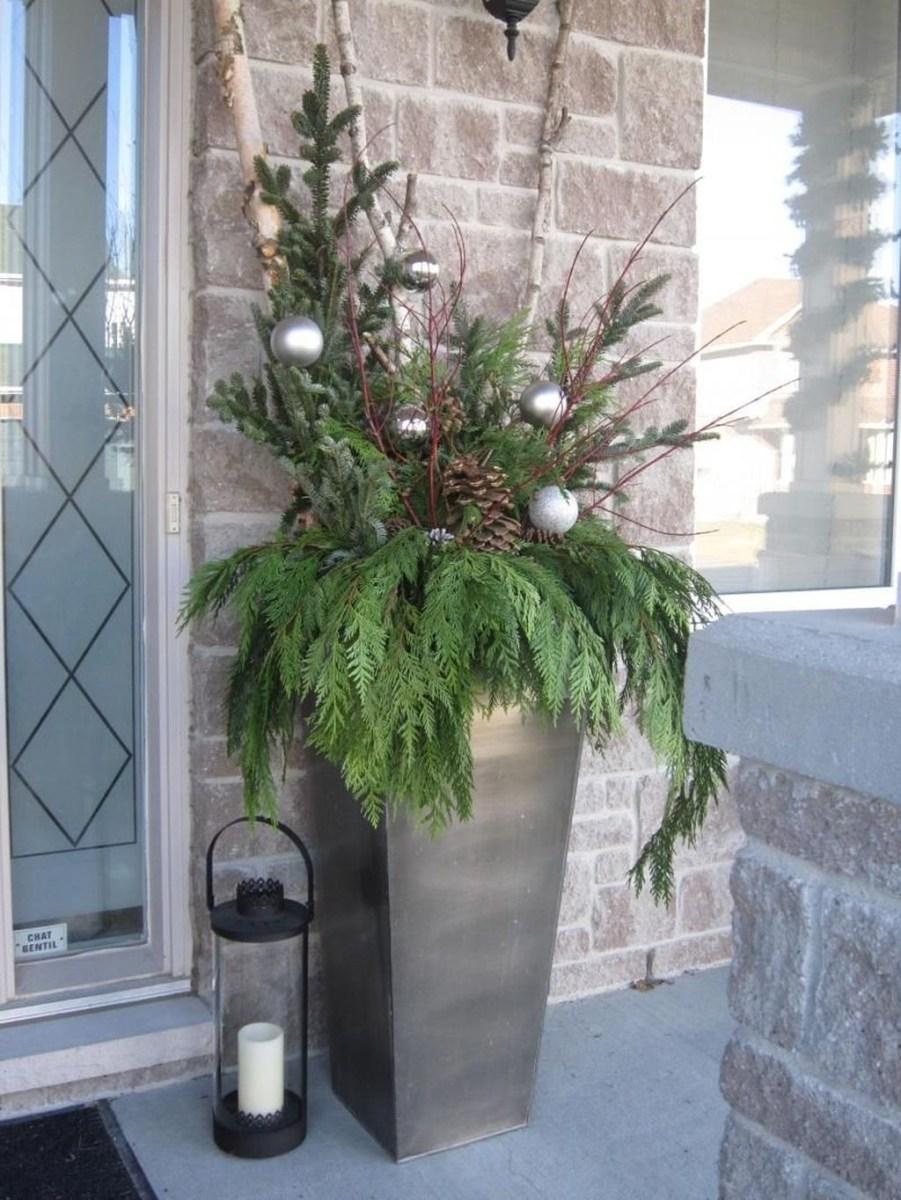 Stunning Front Door Decoration Ideas For Winter 35