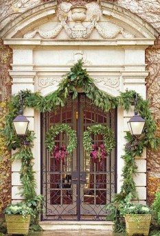 Stunning Front Door Decoration Ideas For Winter 41