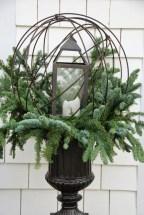 Totally Adorable Winter Porch Decoration Ideas 09