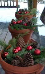 Totally Adorable Winter Porch Decoration Ideas 22