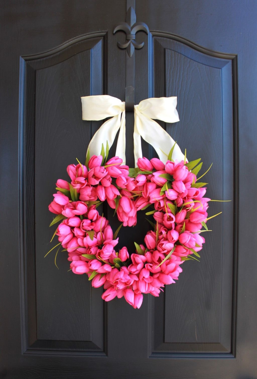 Totally Adorable Wreath Ideas For Valentines Day 07