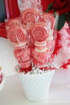 Totally Fun Valentines Day Party Decorations Ideas 01