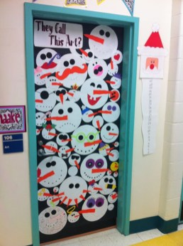 Totally Inspiring Winter Door Decoration Ideas 17