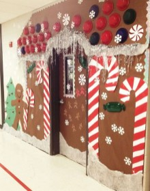 Totally Inspiring Winter Door Decoration Ideas 23