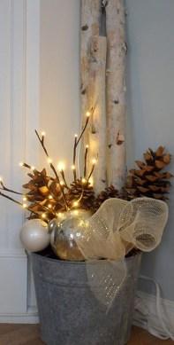 Totally Inspiring Winter Door Decoration Ideas 34