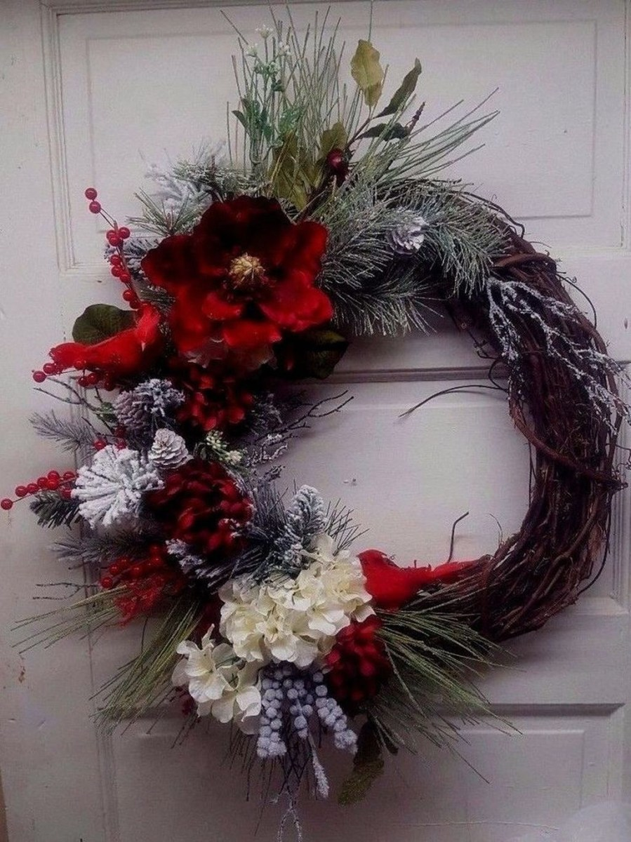 Totally Inspiring Winter Door Decoration Ideas 36