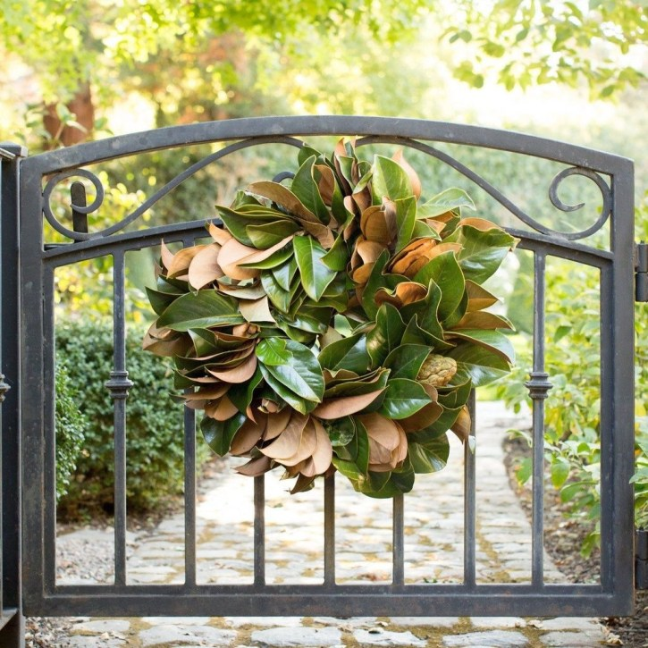 Totally Inspiring Winter Door Decoration Ideas 38