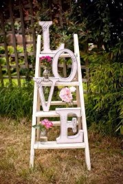 Unique Outdoor Valentine Decoration Ideas 13