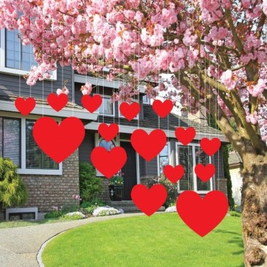Unique Outdoor Valentine Decoration Ideas 28