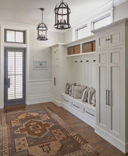 Amazing Farmhouse Entryway Mudroom Design Ideas 04