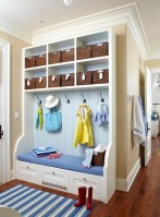 Amazing Farmhouse Entryway Mudroom Design Ideas 15