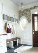 Amazing Farmhouse Entryway Mudroom Design Ideas 24