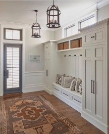 Amazing Farmhouse Entryway Mudroom Design Ideas 31