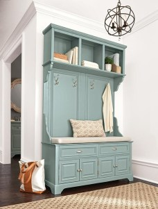 Amazing Farmhouse Entryway Mudroom Design Ideas 39