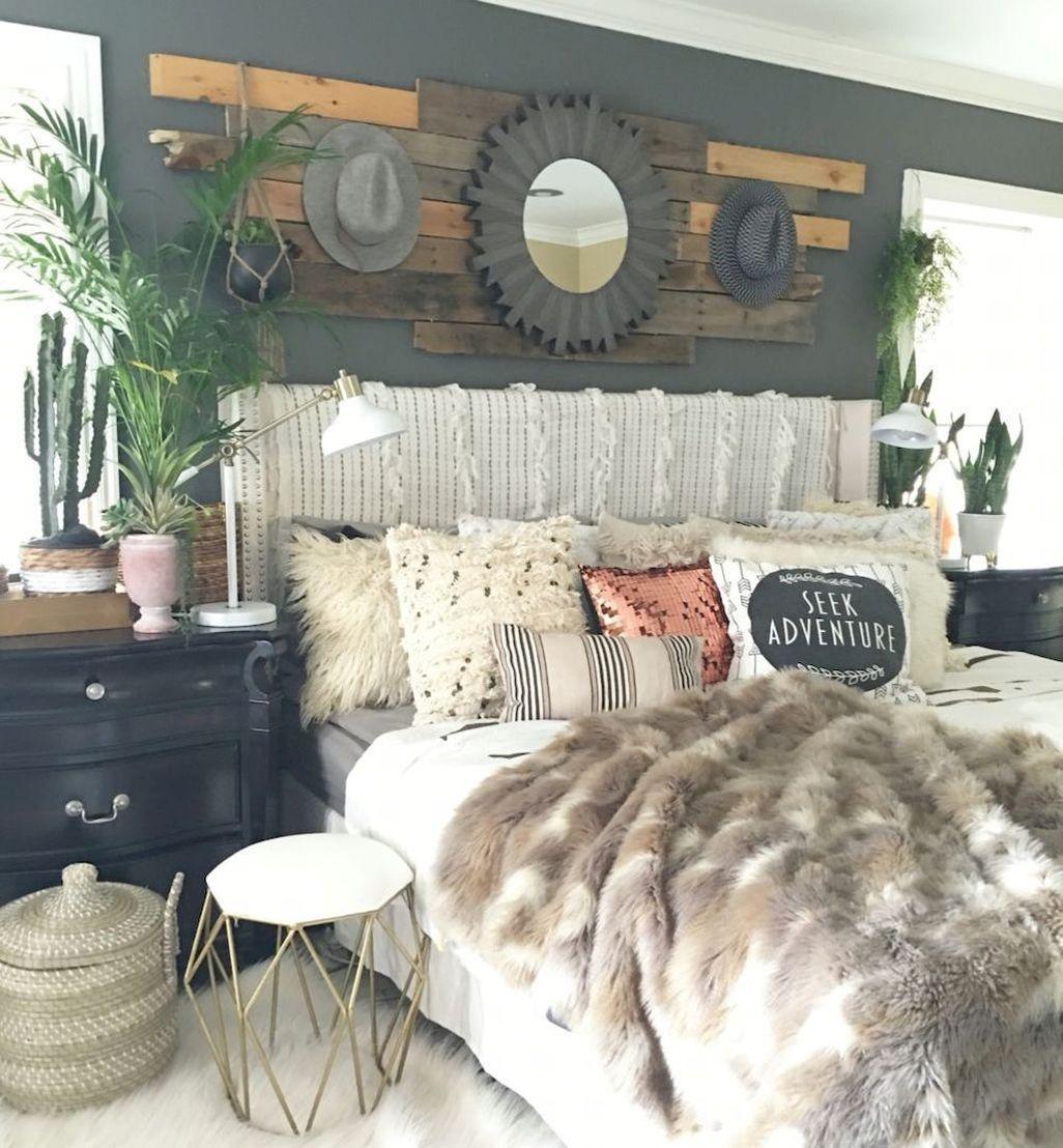 Amazing Farmhouse Style Master Bedroom Ideas 03