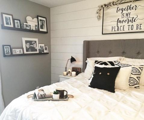 Amazing Farmhouse Style Master Bedroom Ideas 39